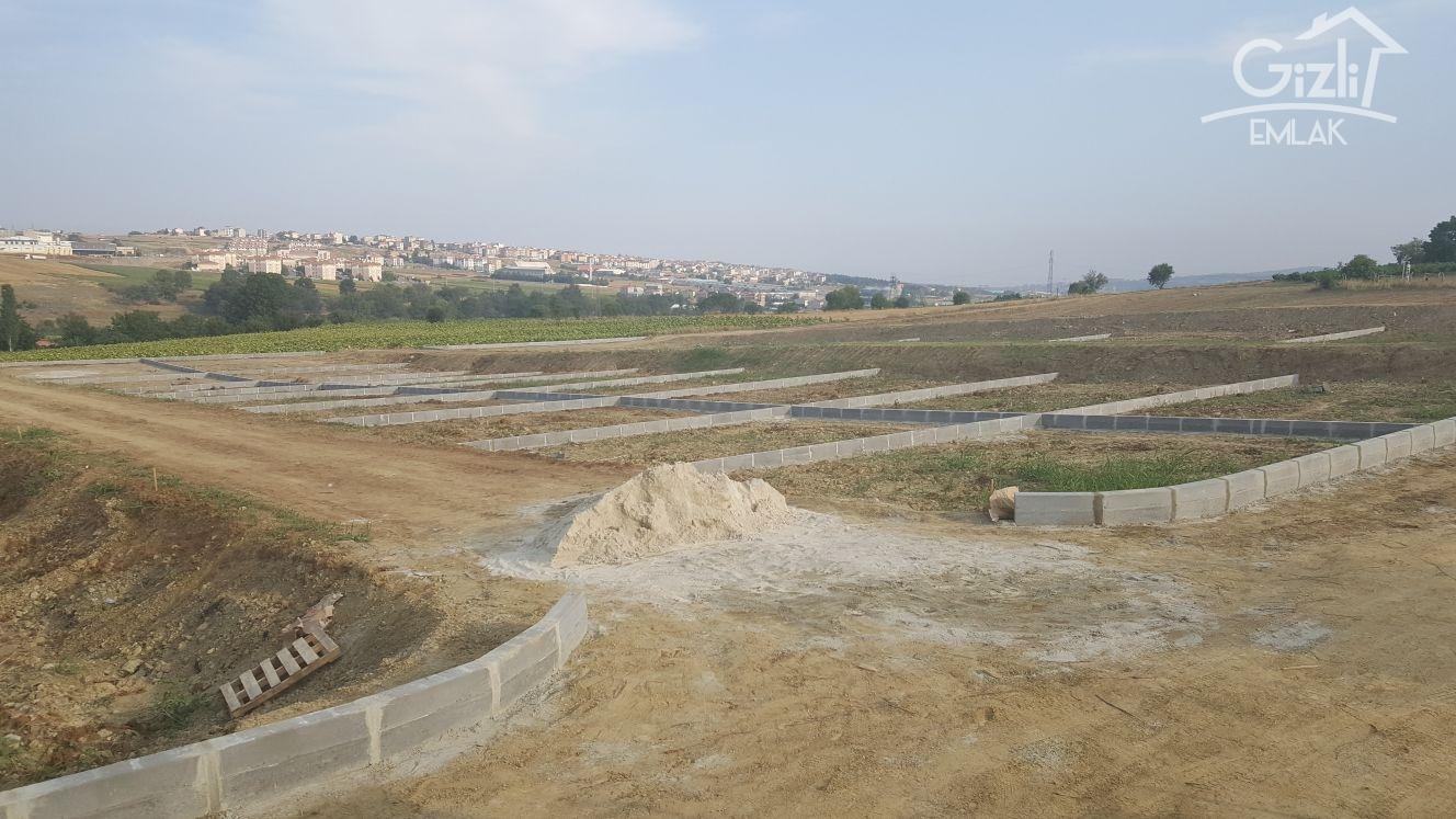 KARADENİZ MAHALLESİ ARAÇ MUAYENE İSTASYONU ARKASI 400m2 ARSA